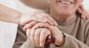Le valutazioni da fare prima di scegliere una residenza per anziani
