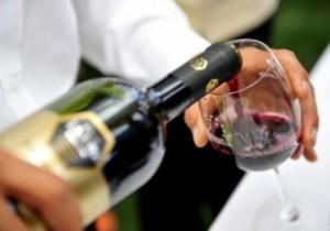 Alcuni buoni accorgimenti per servire il vino